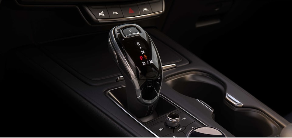 2020 Cadillac XT4 Compact SUV Transmission Gear Shift